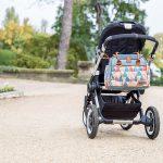 Babymoov Style Wickeltasche am Kinderwagen befestigen